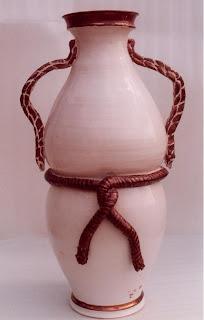 Cer mica artesanal jarrones con decoraci n en relieve for Decoracion en ceramica artesanal
