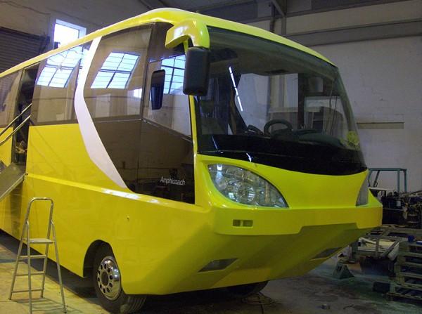 http://1.bp.blogspot.com/_QtH2zTVl70M/THakmDMwSAI/AAAAAAAAJiw/tQKJuyapO6w/s1600/Amphibious_Coach06.jpg