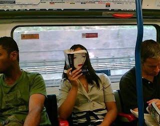 Uma gueixa no metrô