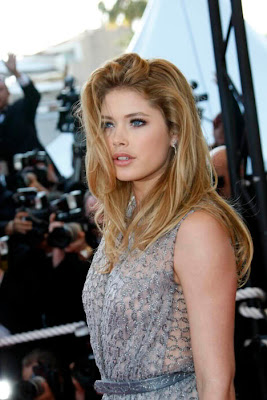 Doutzen Kroes sexy & hots photos gallery