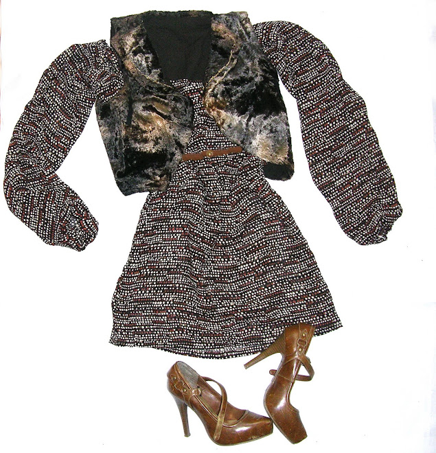 camasa cu imprimeu multicolor in nuante de caramiziu; vesta din catifea in degrade