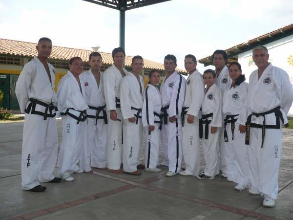 INSTRUCTORES DEL CHUNG DO KWAN