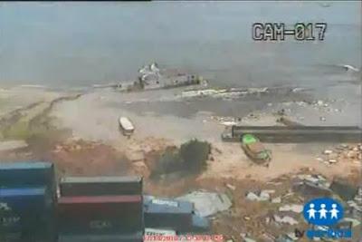 巴西 天坑 貨櫃 - 巴西 天坑吞噬貨櫃碼頭