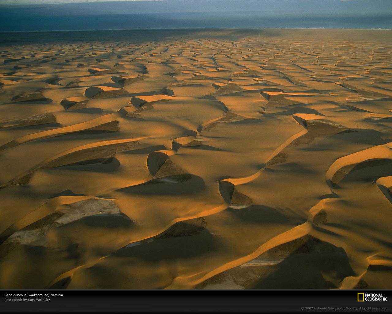 swakopmund-dunes-namibia-694720-xl.jpg