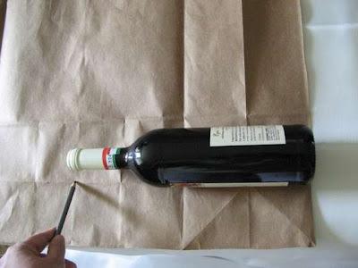 Как красиво упаковать бутылку вина