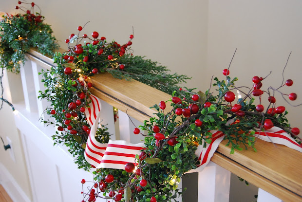 Christmas Garland Ideas Staircase