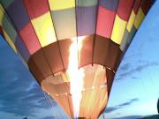 Para isso é preciso acordar de madrugada, pois o balão precisa subir antes .