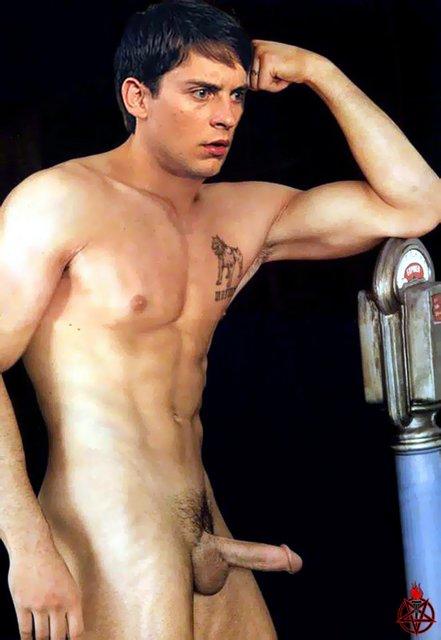 гей таб голые парни на отдыхе