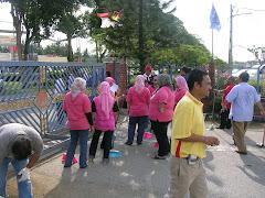 GOTONG ROYONG DI KOMPLEKS UMNO BAHAGIAN KUALA SELANGOR