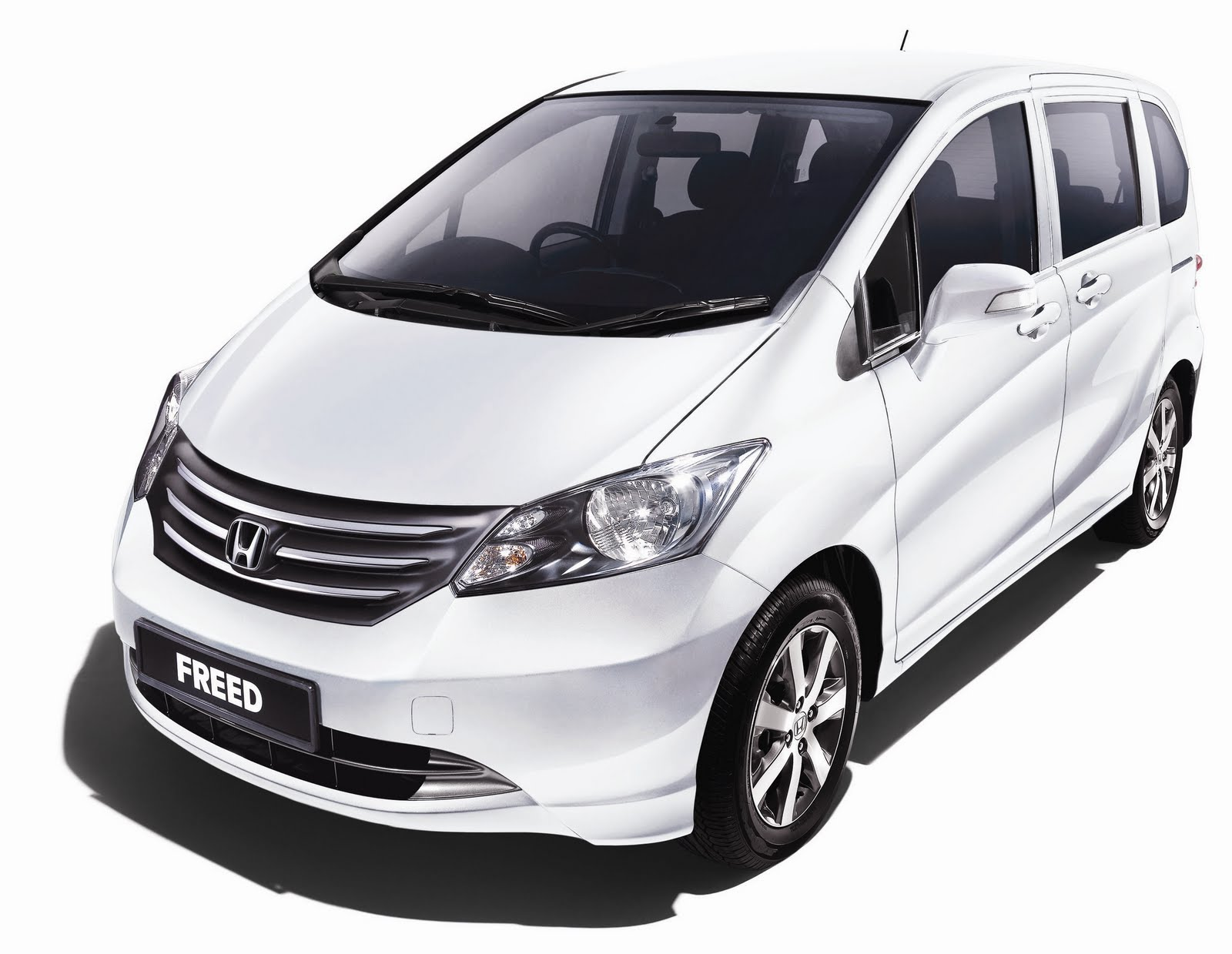 Mobil All New Honda Freed 2013