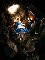 Entre botellas y galletas... (Charlotte + Libre) Alice+cae