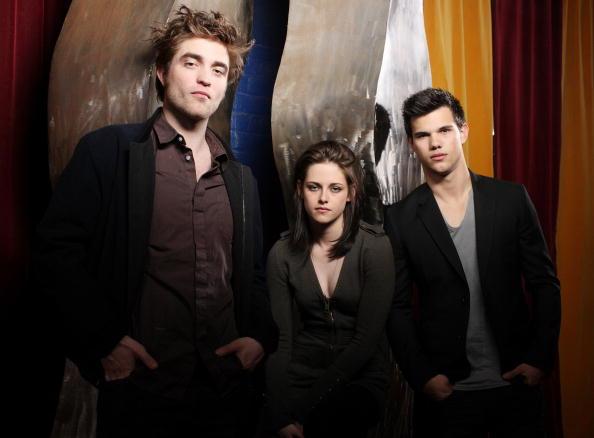 kristen stewart hot scene pics. Robert Pattinson amp; Kristen