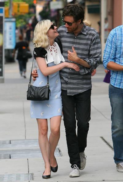 WEIRDLAND: Kirsten Dunst and her boyfriend Jason Boesel enjoy a ...