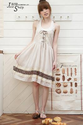 http://1.bp.blogspot.com/_R5fBCD3WUYQ/SgAP_uSAUuI/AAAAAAAAAaY/Xu-GdoPUkkY/s400/Boho+Natural+Color+Cotton+%2B+Laces+Dress.jpg