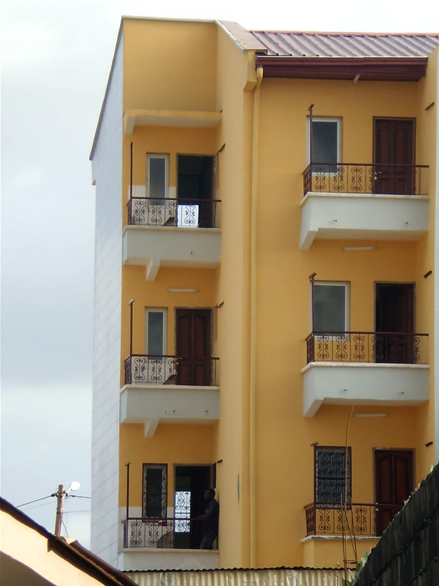 Appartements louer de 2 chambres 2 douches et 1 balcon for Appartement meuble a yaounde cameroun