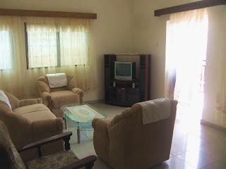 beau salon meuble pour appartement a louer a yaounde