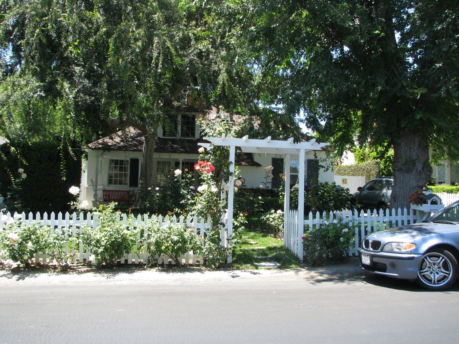 http://1.bp.blogspot.com/_R6Ns11P9G38/TF8hnZQqnCI/AAAAAAAADgA/9qjQPZuDLp8/s1600/Los+Angeles+July+2010+(128).JPG