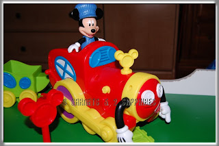 3 garnets 2 sapphires review disney mickey mouse 39 s for Disney mickey mouse motorized choo choo train with tracks