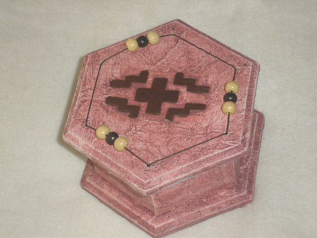 Caja Hexagonal Con Guarda Pampa