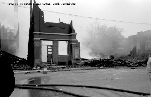 Kerredge Theater after fire in May 1959 (MichiganTech Archives)