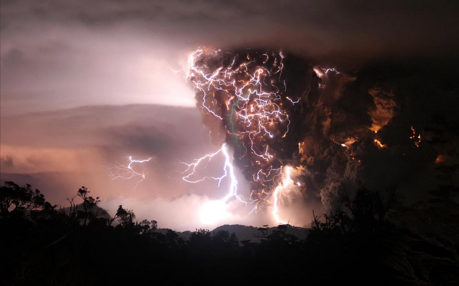 http://1.bp.blogspot.com/_RAlP3BmEW1Q/TQUtNPlizFI/AAAAAAAAB-I/rHlydwZCj9w/s1600/Onweer-achtergronden-onweer-wallpapers-2.jpg