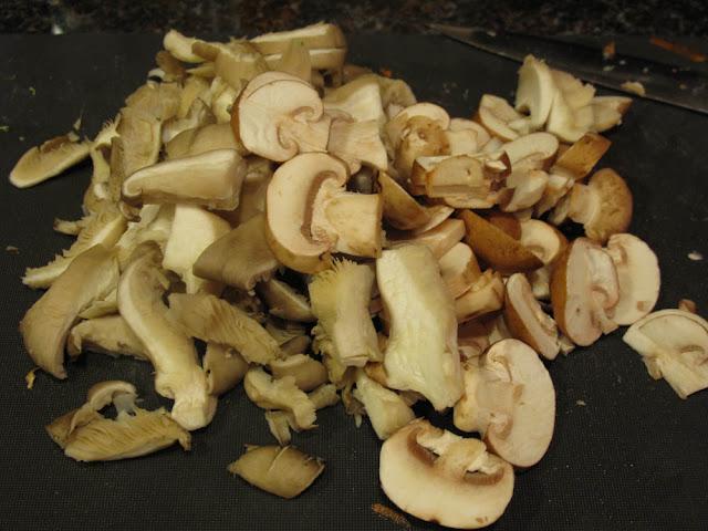 Ginger & Garlic: Soba noodles with mushrooms and lime ginger dressing