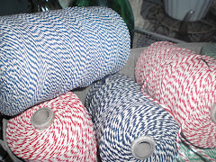 slagers touw in rood, groen en blauw