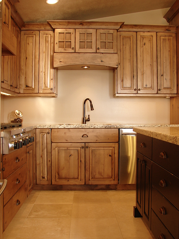 Lec cabinets rustic knotty alder cabinets for Alder kitchen cabinets