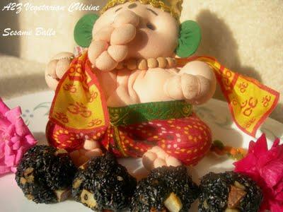 [Sadhana+Sweet+Sesame+Seed+Balls(Ellu+Urundai)]