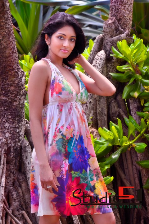 Shashi Fernando top finalist at the Derana Veet Miss Sri Lanka 2010 photo