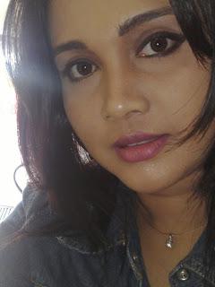 Srilankan Beauty  Gayathri Dias sexy pictures