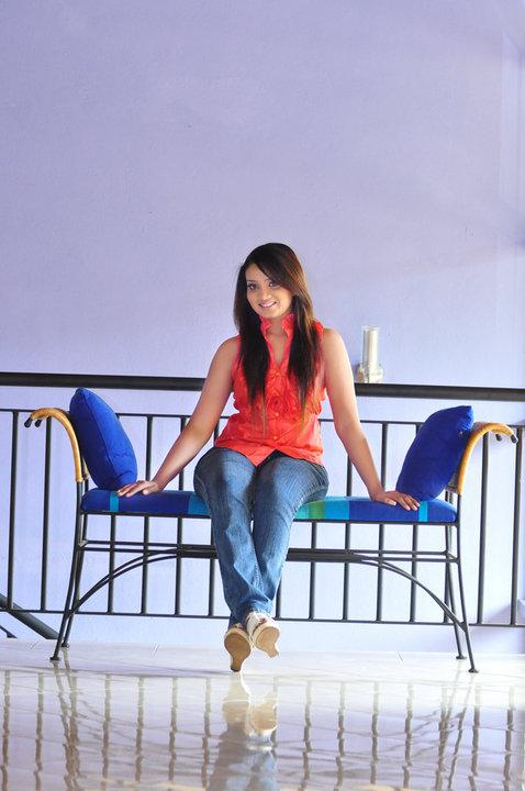 Nadini Premadasa boobs photos
