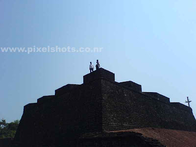 kannur fort,one of the oldest forts in kerala built by the portuguese,st angelos fort high boundary wall