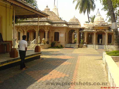 the front view of jain temple in gujarathy street of cochin mattancherry kerala india,jain temple cochin which is 100 years old,kerala-jain-temples,Gujarati-street-jain-temple-mattancherry