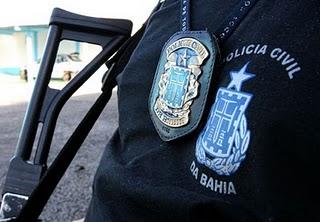 http://1.bp.blogspot.com/_RGdFG-Im9k0/TOuuI5fYXvI/AAAAAAAAdZI/F2NZPsht1wg/s1600/policia%2Bcilvil%2Bpolicial%2Bcom%2Bfuzil.jpg