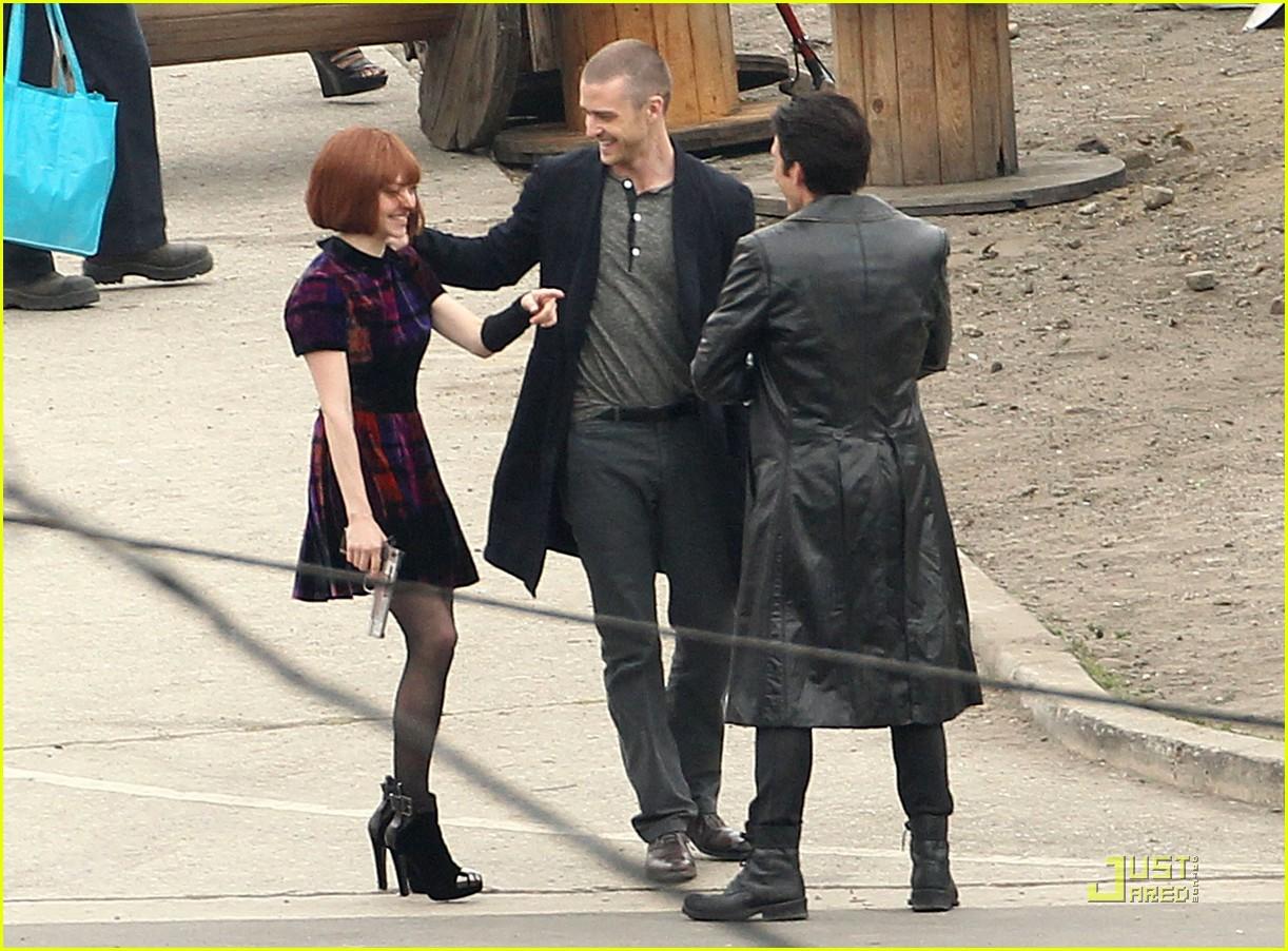 http://1.bp.blogspot.com/_RGgC1BjMGn0/TThu6dbybHI/AAAAAAAAA0k/GcOl-qnrHJo/s1600/justin-timberlake-amanda-seyfried-kissing-07.jpg