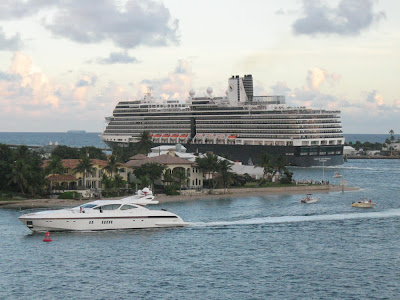 Holland America's Nieuw Amsterdam heading out of Port Everglades