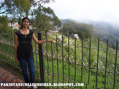 Beautiful Kerala Girl Sindhu Stills From Shimla Tour