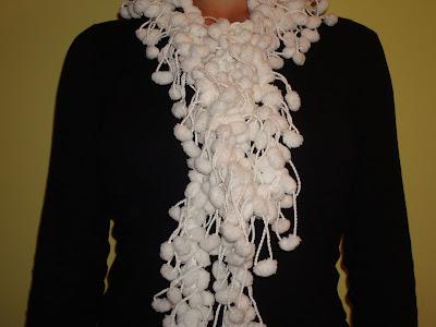 Estan creadas con la tecnica del ganchillo y lana de uno o dos colores