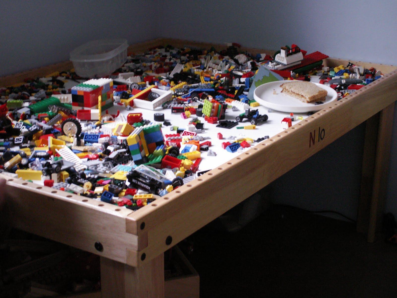 Стол для лего как сделать 783