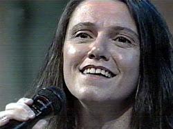 Clique na foto e ouça Doce de Cidra, na voz de Cristina Guiçá.