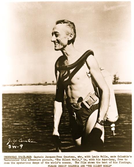 http://1.bp.blogspot.com/_RPogO_Jeq_I/TRqtCMbnxiI/AAAAAAAAAUw/sz-YPZliwbw/s640/Divers+cousteau+1956+jpg.jpg
