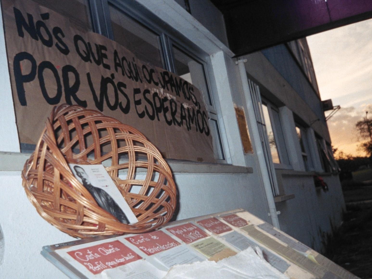 """""""Ocupa Ocupa Ocupação""""-Ato Simbólico Em Apoio à Ocupação COSEAS - Reitoria - Greve dos Funcionários"""