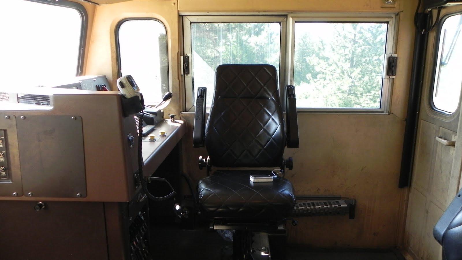 milepost 154 a train blog inside a ge c44accte locomotive. Black Bedroom Furniture Sets. Home Design Ideas