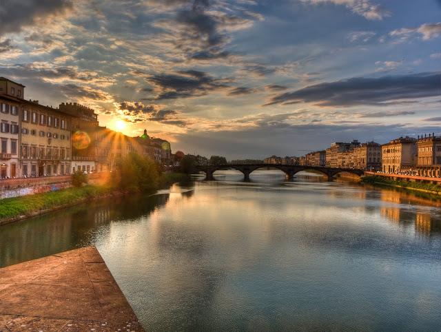 Atardecer rio Arno