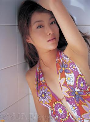 Japanese Beauties Thumbnail Gallery: Saki Seto in a pink bikini and high ...