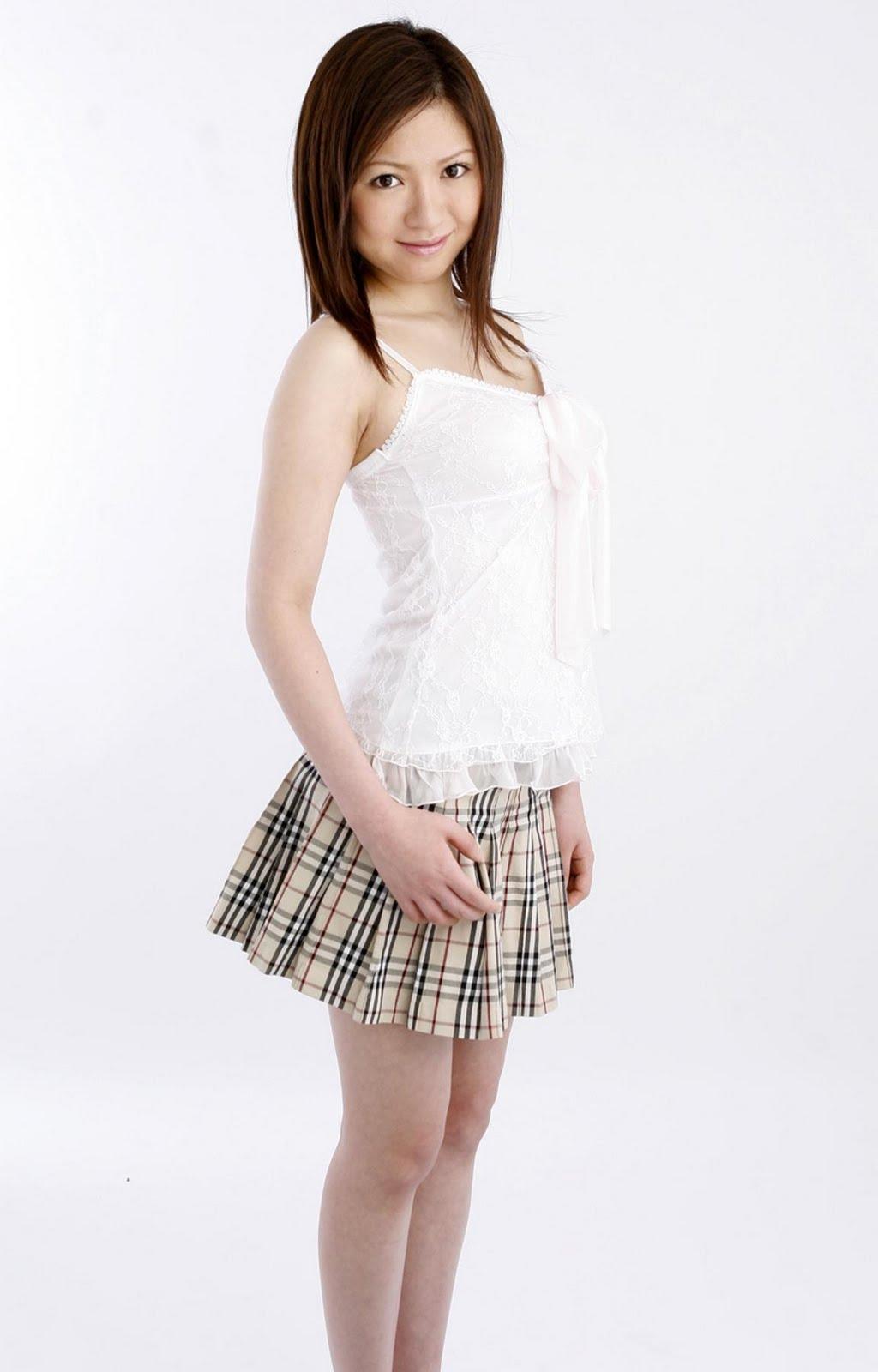 File Name : Ayumi-Saki-Photo-Picture-01.JPG Resolution : 1024 x 1600 ...
