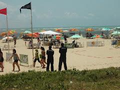 O GAT dando apoio a evento de escolas na praia de candeias.