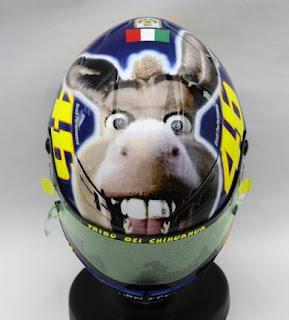 InterMezo : Helm Valentino Rossi yang Unik, Lucu dan Kreatif