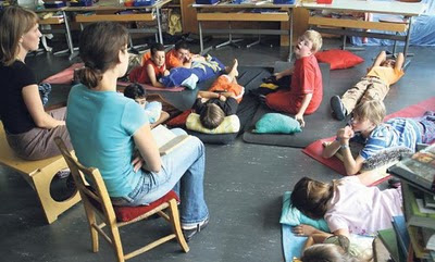 Geistig behinderte Kinder in der Regelschule - erste Erfahrungen aus der Schweiz - und nicht ganz so erste Erfahrungen, Behinderung Handicap, Down Syndrom, Down-Syndrome, Extrachromosom, Integration integrativ, Kind, Trisomie 21,
